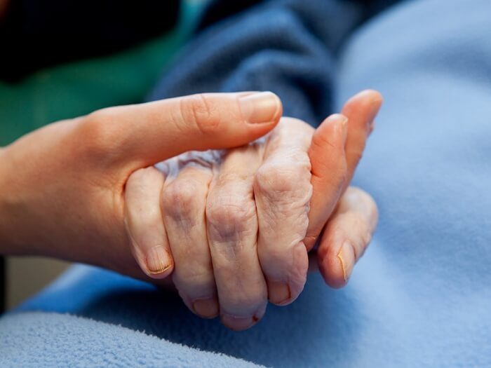 The 5 biggest mistakes that people regret at the end of life