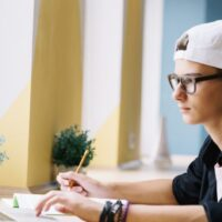 How to improve the relationship with a teenager: practical tips