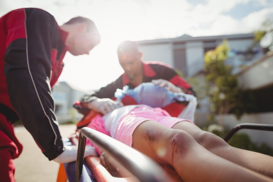 How to provide first aid to a child with injuries